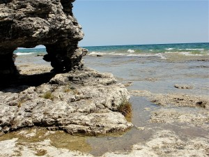 1280px-Cave_Point_County_Park_Door_County_Wisconsin